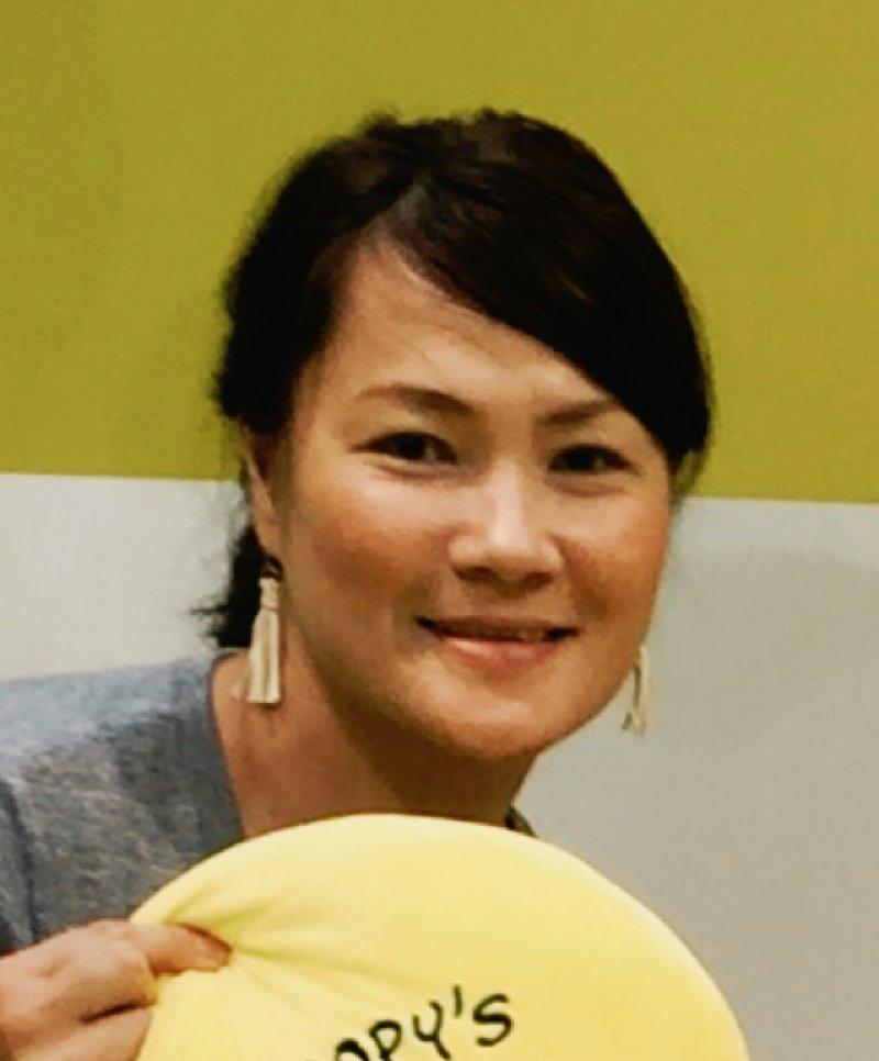 神田和美さん(新潟)が紙芝居スライドを使って、小学校4年生の総合学習で認知症のお話を♬