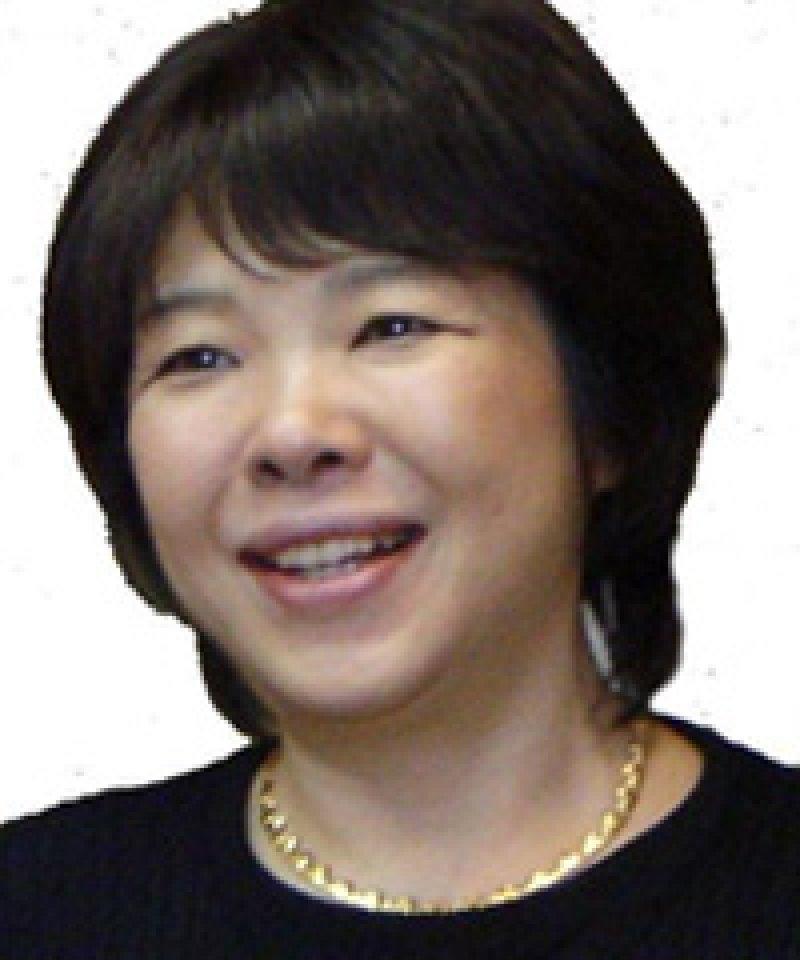 小金澤一美さん(滋賀)がキッズ向け紙芝居スライドを使って、地域のイベントで認知症のお話を