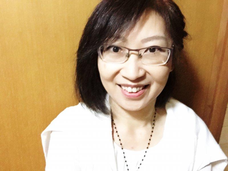 今西亜矢子さん(滋賀)が、介護者の集いで紙芝居スライドを使って認知症のお話を♬