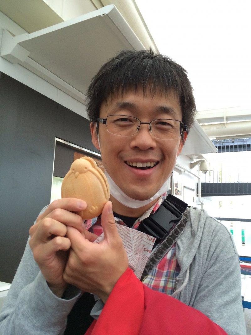森田浩史さん(京都)が、紙芝居を使ってキャラバンメイトの皆さんと小学生に認知症のお話を♬