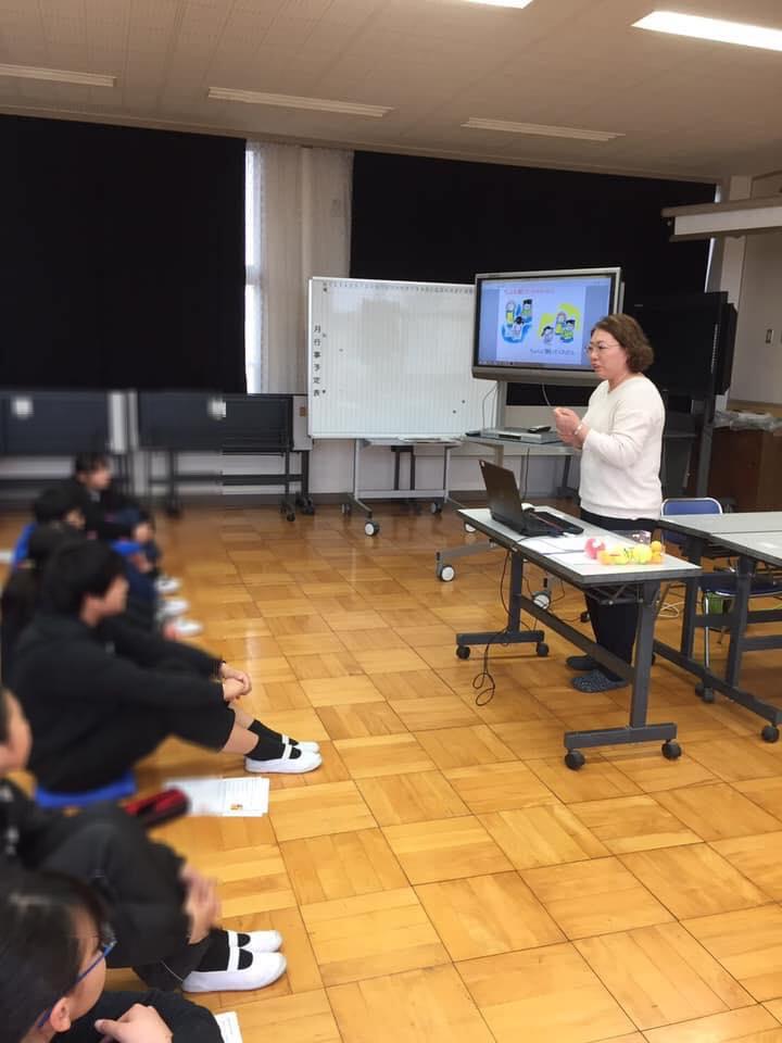 黒川三貴さん(茨城)が、地元の小学校で認知症のお話を♬