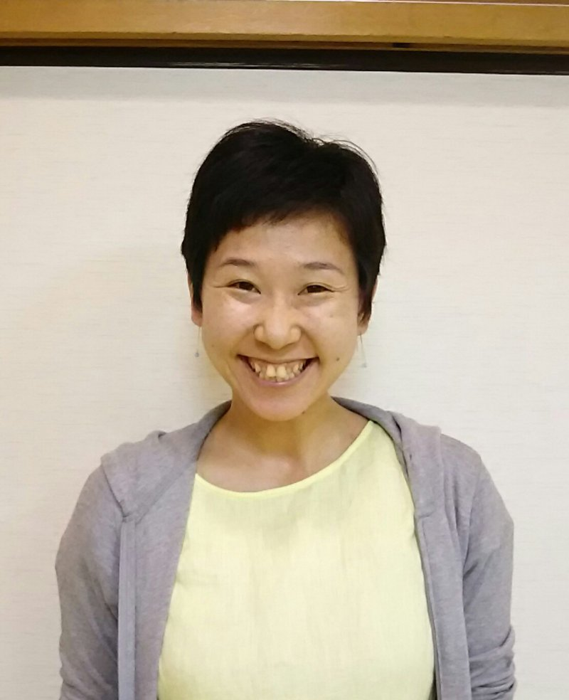 大渡七奈さん(東京)が、職場で新卒スタッフさんに紙芝居で認知症のお話を♬