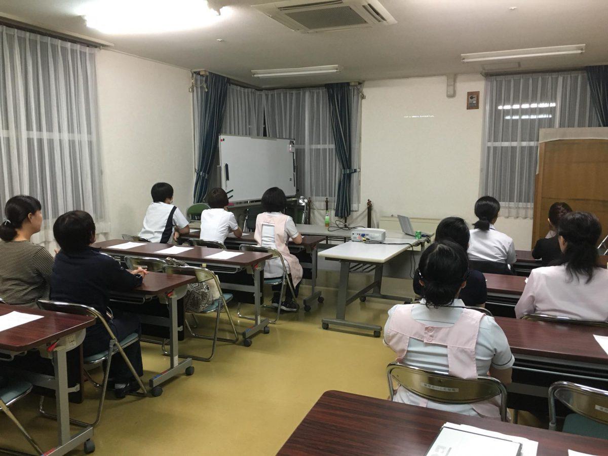 愛知県、【特別養護老人ホーム 愛厚ホーム佐屋苑】様よりご依頼いただき、認知症研修をしました。